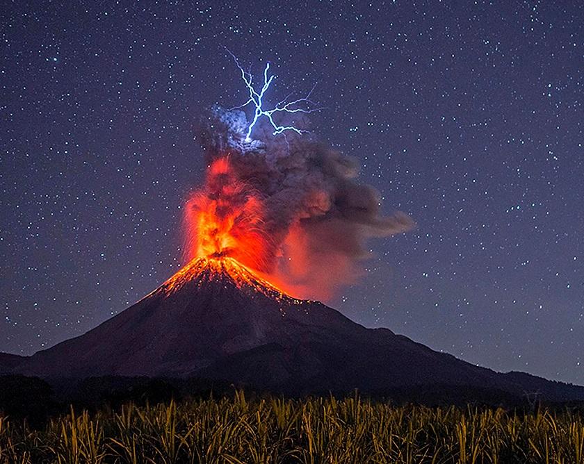 картинки вулкана извержение